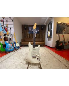 Fender Classic 60's Stratocaster 2000 incl. SKB case (secondhand - käytetty)
